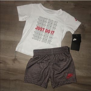 NWT Nike 18m outfit